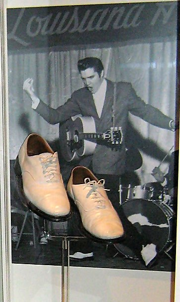 Elvis in the Louisiana Hayride Elvis in Louisiana Hayride.JPG
