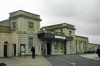 Ely railway station - Image: Elyext