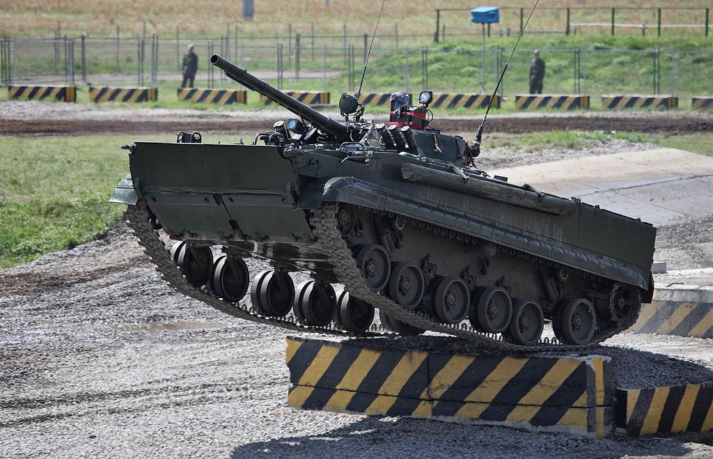 مساعد الرئيس الروسي: تجهيز لواء مدرع في الجيش العراقي بتقنيات روسية 1024px-Engineering_Technologies_-_2012_%281-39%29