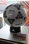 Etrusco Unico 1990 Fifa World Cup Italy Official Match Ball.jpg