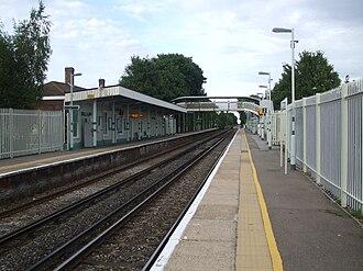 Ewell East railway station - Image: Ewell East stn look north