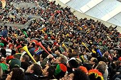 8add952012393 Diversas vuvuzelas sendo sopradas durante o jogo do Mundial de 2010 Portugal  - Coreia do Norte.
