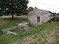 FR 17 Saint-Pierre-de-l'Isle - Le lavoir de la Fontaine des Veuves.jpg