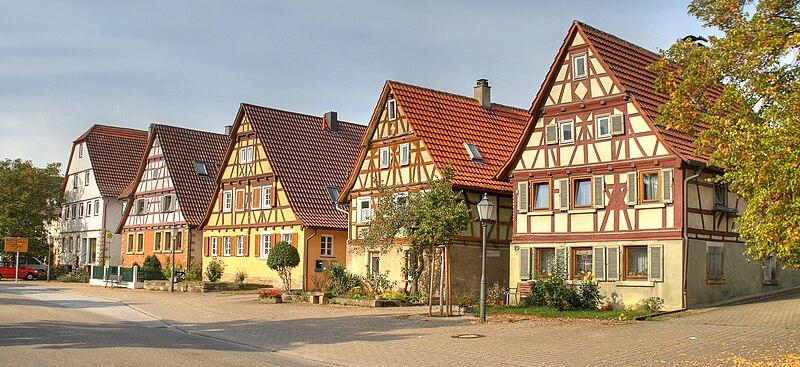 File:Fachwerkhaeuser Oelbronn 2009-1.jpg