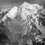 Fairweather Glacier, cirque glacier and icefall, August 1965 (GLACIERS 5443).jpg