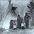 Famille autochtone Saskatchewan 1919.jpg