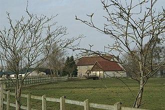 Burtle - Image: Farmhouse, North of Burtle geograph.org.uk 117513
