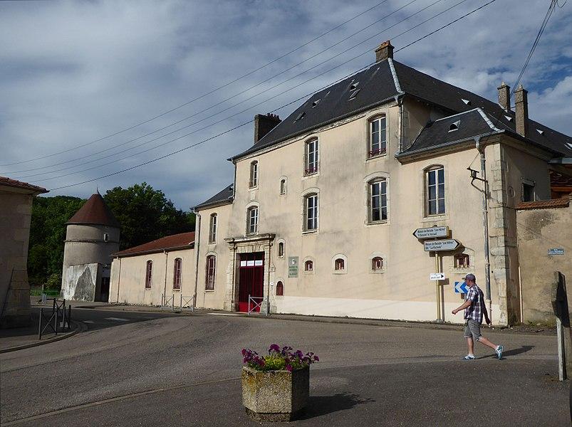 Maison de retraite (ancien château) de  Faulx en Meurthe-et-Moselle (France).