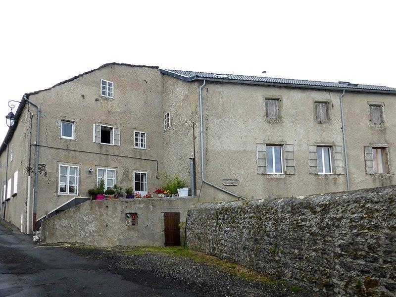 File:Fay-sur-Lignon - Ancienne Ecole St Joseph.jpg
