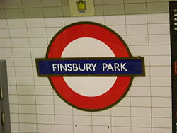 Finsbury Park (Piccadilly Line) (18512987).jpg