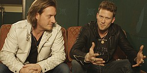 Tyler Hubbard (left) and Brian Kelley (right)