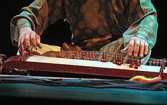 Đàn tranh - Image: Flickr dalbera Huong Thanh Trio, (musée Guimet, Paris)