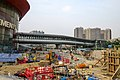 Footbridge between Elements and HK West Kowloon Station (20180825165031).jpg