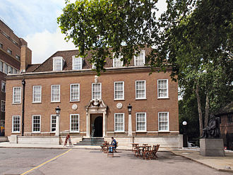 Foundling Museum - The museum's façade, Brunswick Square. A statue of Thomas Coram is to the far right.