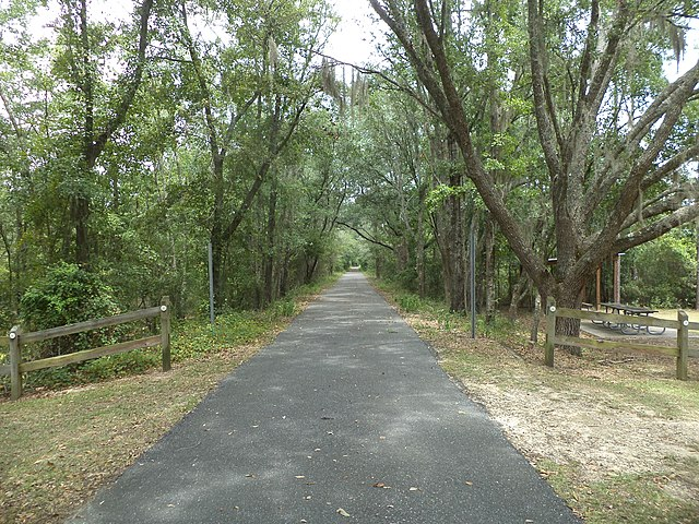 Four Freedoms Trail at NE M Therob Rd and NE Persimmon Dr, By Michael Rivera (Own work) [CC BY-SA 4.0 (https://creativecommons.org/licenses/by-sa/4.0)], via Wikimedia Commons