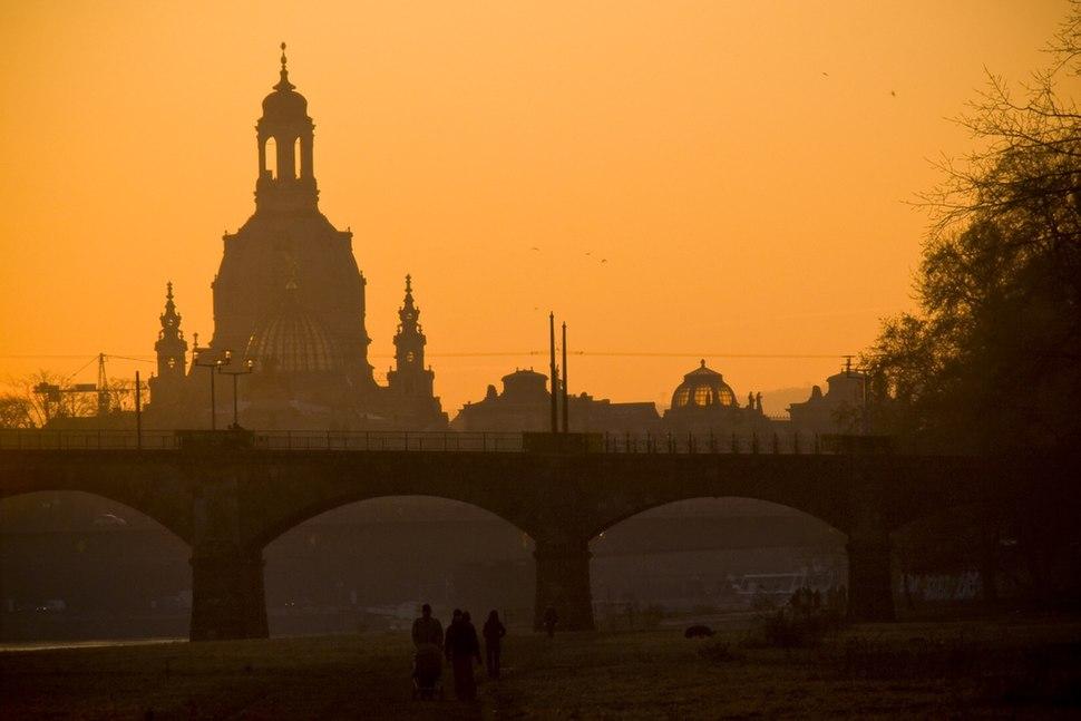 Frauenkirche silhouette
