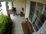 File:Front Porch Theft 2012 11 17 101117.ogv