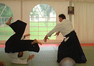 Aiki (martial arts principle) - An aikido kokyu nage throw