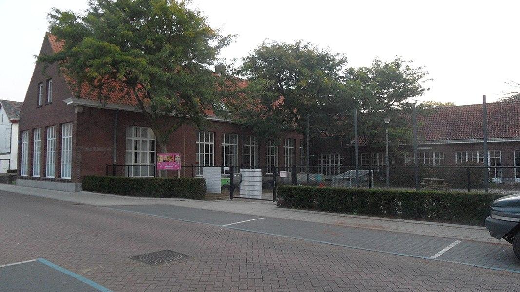 Vroegere Gemeentelijke jongensschool Baarle-Hertog