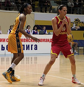 Glory Johnson vs Iva Perovanović 6.JPG