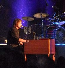 Gregg Rolie with Ringo Starr All Starrs 2012.jpg
