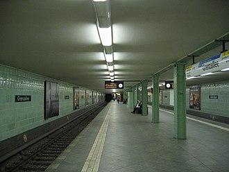 Grenzallee (Berlin U-Bahn) - Platform view, Grenzallee U-Bahn station