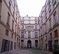 Hôtel de Chenizot, Paris - First Courtyard.jpg