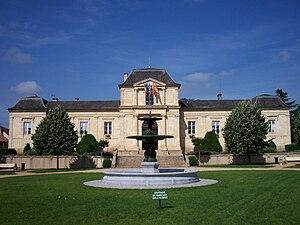 Mirande - Image: Hôtel de ville de Mirande (Gers, France)
