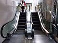 HK Causeway Bay 銅鑼灣 CWB 軒尼斯道 Hennessy Road 軒尼詩大廈 Apartments mall January 2019 SSG 17 escalators.jpg