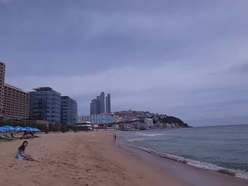 파일:Haeundae Beach - video view - sept5-2013.webm
