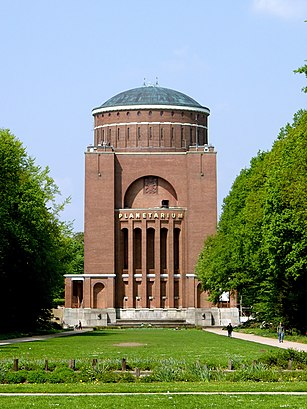 How to get to Planetarium Hamburg with public transit - About the place