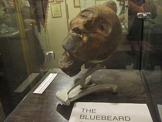 Museum of Death - Severed head presented as Henri Landru's.