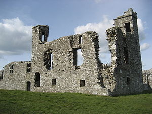 Slane - Ruins on the Hill of Slane in 2008, facing North West. The tower on the top right, was capped with battlements, up to at least 1830.