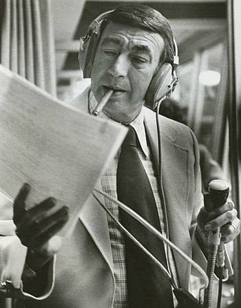 English: Publicity photo of Howard Cosell from...