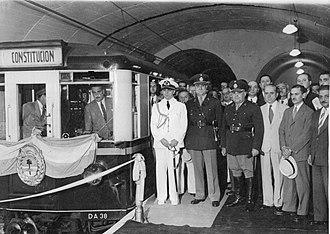 Line E (Buenos Aires Underground) - Image: Inauguración provisoria Boedo