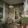 Interieur, overzicht van de serre met kurkbekleding - Nieuweschans - 20387332 - RCE.jpg