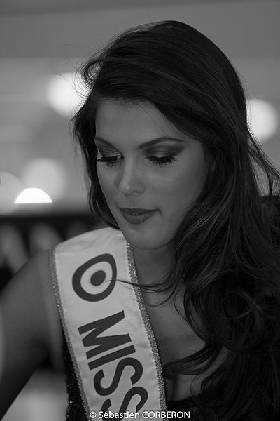 Iris Mittenaere lors de l'élection de Miss Bourgogne 2016