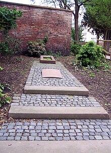 Guiolletts Grab in der Obermainanlage (Quelle: Wikimedia)