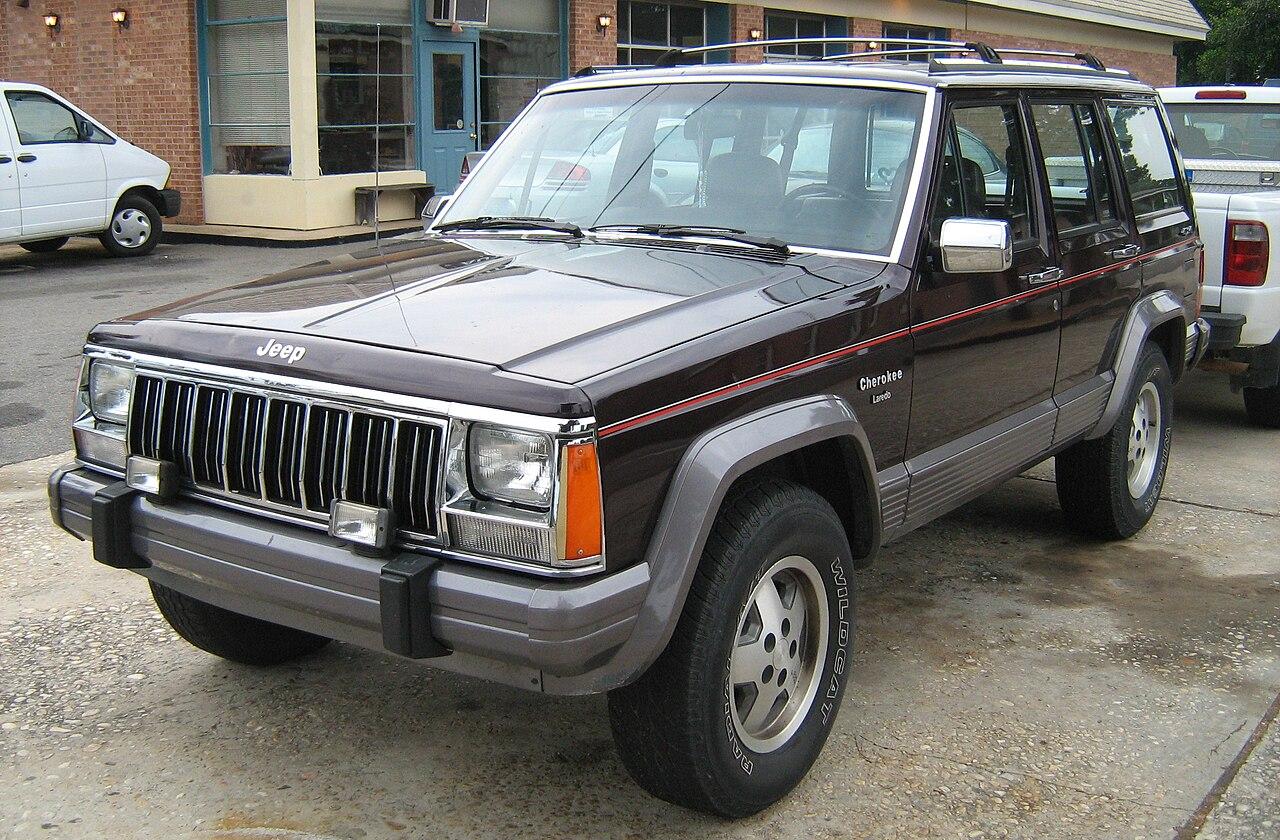 File:Jeep Cherokee XJ 4D Laredo burgundy SOP fl.jpg ...