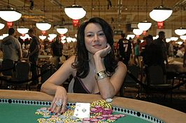 Jennifer Tilly na haar overwinning in de 2005 WSOP