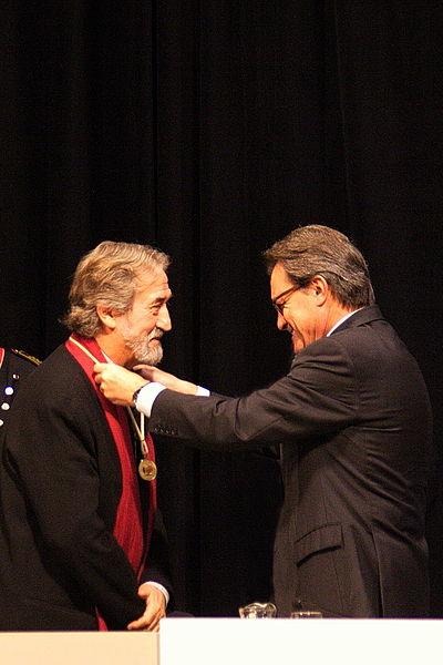 File:Jordi Savall a Medalla Or Generalitat 2014 6877.jpg