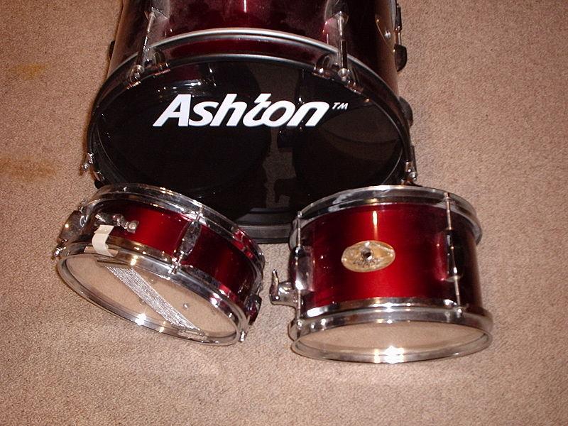 Junior drum set.JPG