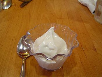 English: Nonfat Yogurt