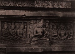 KITLV 155195 - Kassian Céphas - Reliefs on the terrace of the Shiva temple of Prambanan near Yogyakarta - 1889-1890.tif