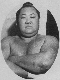 Kagamiiwa Zenshirō Sumo wrestler