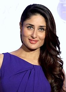 Kareena Kapoor smiling to the camera