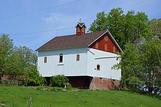 Whitmore Township, Macon County, Illinois - A barn southeast of Oreana