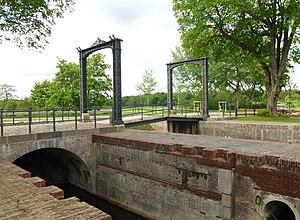 Eider Canal - The lock and drawbridge at Kluvensiek in 2013
