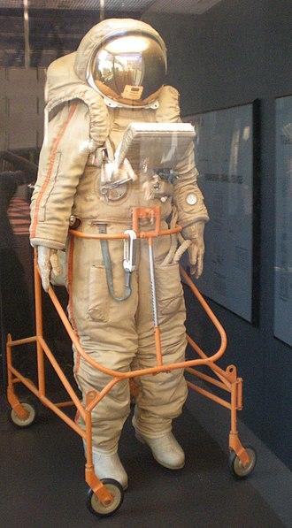 Krechet-94 - Image: Krechet space suit Air and Space