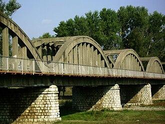 Lom (river) - The Italian-built bridge over the Lom at Kriva Bara